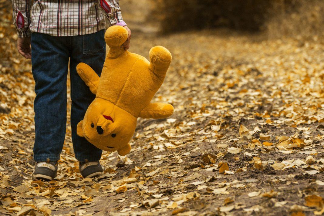 conflicting behavioral characteristics of autistic children