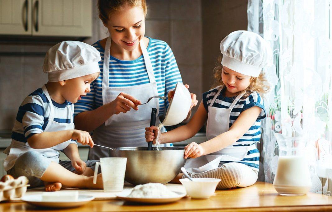great ways to connect with children in the kitchen
