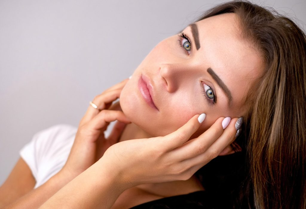 moisturizes the skin